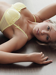Come see all of Jenni the perfect blond with perfect curves!