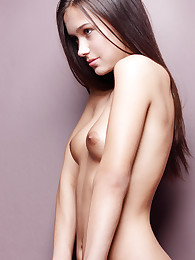 18 year-old Chloe posing nude for the very first time.