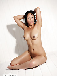 Elina exposes her nicely tanned and curvacisous body. Join this hottie and see her in different poses completely naked.