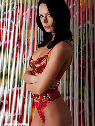 Gwen is sensationally cute and will hypnothize you with her stunning look and dark beautiful eyes. This babe is a living jackpot and will turn your imagination on.