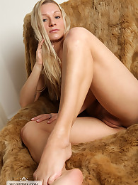 Daisy exposes her firm big breasts for you and spreading legs, this hot blonde knows how to turn your imagination on.