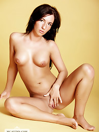 Sydney is a young girl, who likes to expose her nicely tanned body. She is a newcomer and a real lovely one.