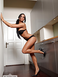 Ashley is a young girl who loves to spread legs an beding nude the whole day. Ashley is incredibly flexible, sportive and open minded towards new and erotic ideas. Check her out.